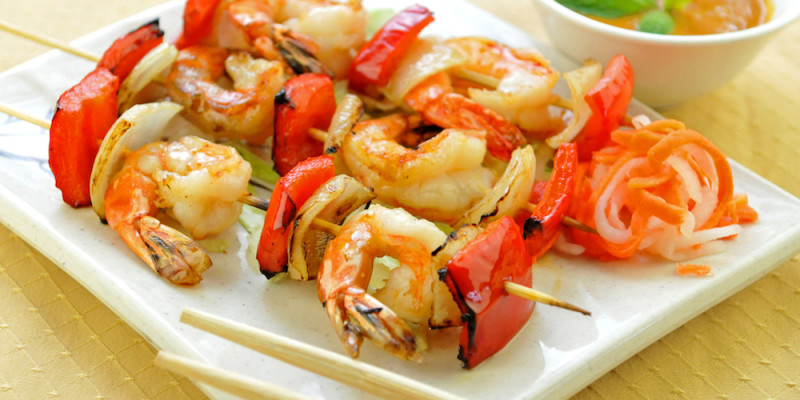... shrimps,onion,red and green pepper Served with Satay Peanut sauce